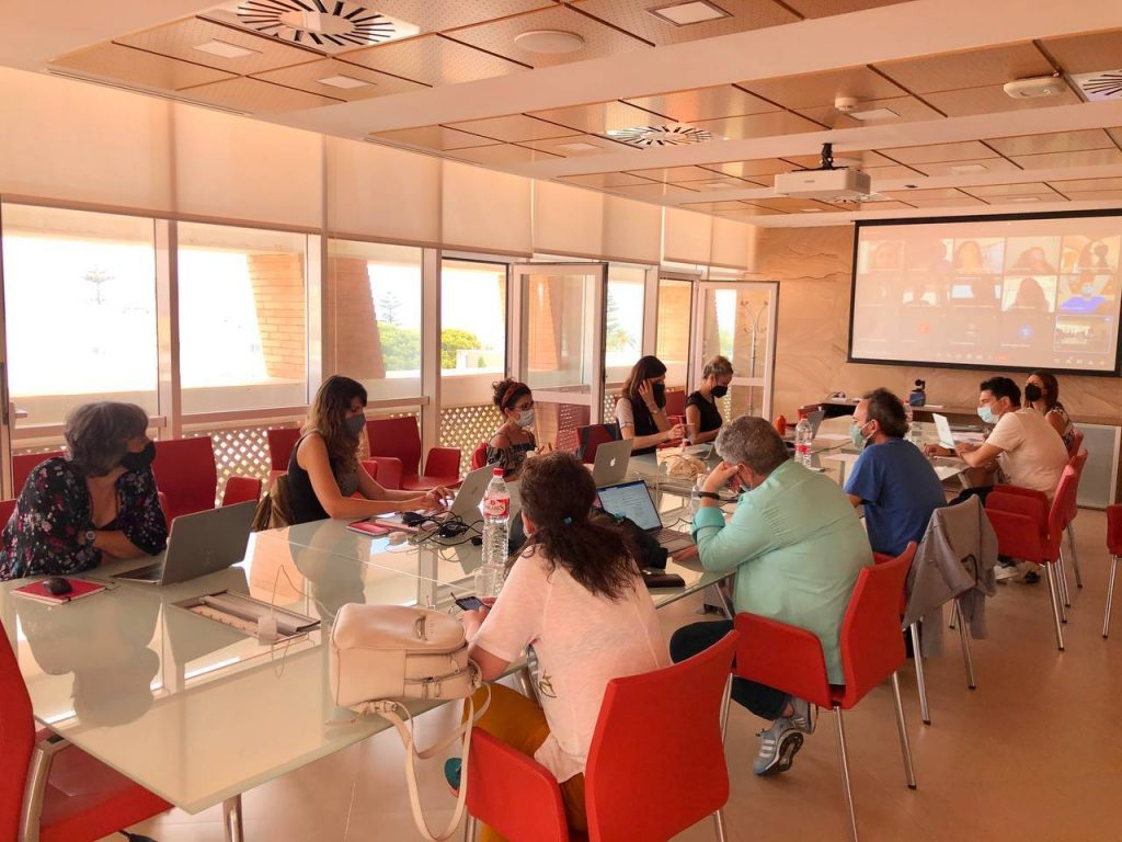 "Celebración del Taller ""Developing Learning and e-Training Methodologies"" en la UCA, del proyecto Erasmus+ COMPRA: ""Blended Short-cycle Training Courses on 'Commoning Practices'"""