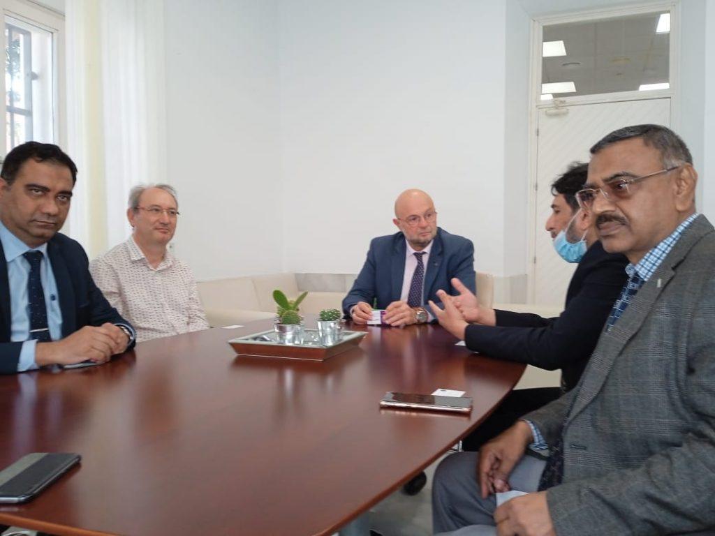 IMG Visita institucional de la Sir Syed University of Engineering and Technology (Karachi, Pakistan)